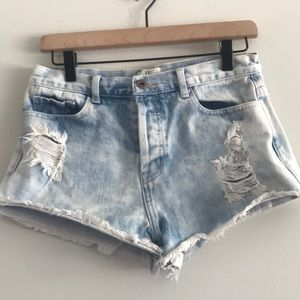 XXI Premium Distressed High Rise Shorts Size 28